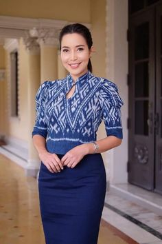 Myanmar Traditional Dress, Thai Traditional Dress, Traditional Outfits, Mode Batik, Modern Filipiniana Dress, Myanmar Dress Design, Dress Pesta, Thai Dress, Contemporary Dresses