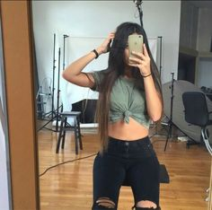 diff shade of green Crop Top Outfits, Basic Outfits, Kpop Outfits, Outfits For Teens, Summer Outfits, Fashion Outfits, Pretty Outfits, Cute Outfits, Claudia Tihan