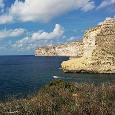 Souvenir de Gozo, les falaises près de de Xlendi #maltaismore via @voyagesetc