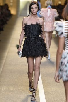 Fendi RTW Spring 2015 Pretty Prom Dresses, Prom Party Dresses, Runway Fashion, High Fashion, Fashion Outfits, Women's Fashion, Fashion Trends, Classy Outfits, Pretty Outfits
