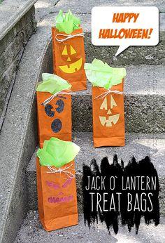 Jack O' Lantern Treat Bags - Amanda Formaro, Crafts by Amanda Halloween Crafts For Kids, Halloween Snacks, Holidays Halloween, Halloween Diy, Happy Halloween, Halloween Activities, Diy Arts And Crafts, Fall Crafts, Holiday Crafts