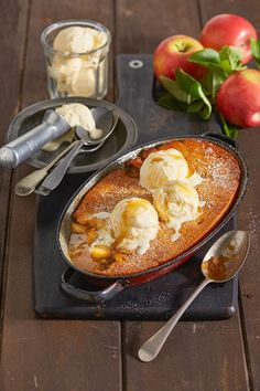 This easy step-by-step apple and caramel self-saucing pudding dessert recipe from Better Homes and Garden's is the perfect winter dessert recipe, or sweet treat to finish up a fancy dinner. Pudding Desserts, Köstliche Desserts, Pudding Recipes, Delicious Desserts, Dessert Recipes, Yummy Food, Cake Recipes, Winter Desserts, Self Saucing Pudding