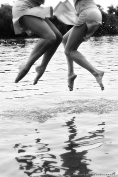 Love this! My sister-in-laws and I always jump into the lake like this. We HAVE to get a picture
