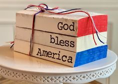 image 4 Holiday Party Themes, Holiday Signs, Fourth Of July Decor, 4th Of July, Old Book Crafts, Vinyl Crafts, Wooden Crafts, Paper Crafts, Wood Block Crafts