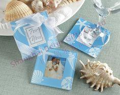 http://pt.aliexpress.com/store/product/60pcs-Black-Damask-Flourish-Turquoise-Tapestry-Favor-Boxes-BETER-TH013-http-shop72795737-taobao-com/926099_1226860165.html   #presentesdecasamento#festa #presentesdopartido #amor #caixadedoces     #noiva #damasdehonra #presentenupcial #Casamento   50pcs=25box azul concha e estrela do mar porta copos foto lembranças de casamento bd036 presentes do partido