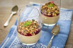 Kawowy mus z ricotty z wiśniami i owsianą posypką   Ósmy kolor tęczy - Blog kulinarny