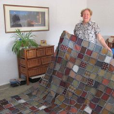 """How to Make a Rag Quilt - Rag Quilt Basic Instructions Wash and dry the quilt one or two more times if you'd like the frays to be softer and more noticeable. King = 576 finished 6"""" squares"""