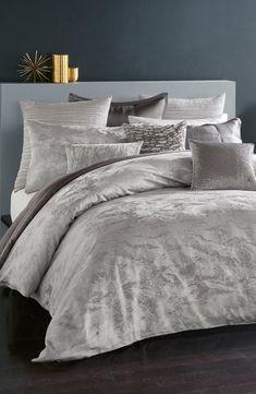 Brand New Carrington Pewter Grey Metallic Bedspread Set Duvet Curtains Cushions
