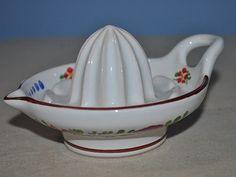 Chodská keramika ruční ždímač citrusů .