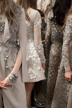 ELIE SAAB HAUTE COUTURE - Beautiful sparkle and princess fantasy from Elie Saab's latest haute couture collection, swoon. Anna Cleveland at Elie Saab Haute Couture Spring 2016 Style Haute Couture, Couture Mode, Couture Details, Fashion Details, Couture Fashion, Runway Fashion, Fashion Beauty, Womens Fashion, Vogue Fashion
