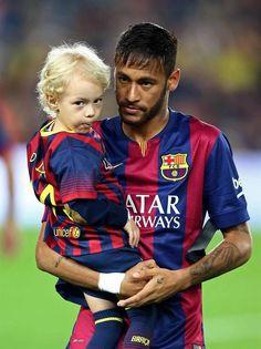 neymar jr e davi lucca Neymar Jr, Lionel Messi Wallpapers, Fcb Barcelona, Football Fever, Good Soccer Players, Soccer Stars, Football Pictures, Professional Football, Best Player