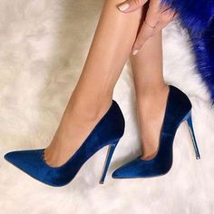 Royal Blue Pointed Toe Stiletto Heel Womens Pumps Royal Blue Pointed Toe Stiletto Heel Womens Pumps The post Royal Blue Pointed Toe Stiletto Heel Womens Pumps appeared first on Mode für Frauen Pintere Pretty Shoes, Beautiful Shoes, Cute Shoes, Me Too Shoes, Mode Glamour, Fashion Heels, Blue Fashion, Emo Fashion, Dress Fashion