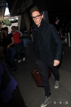 Another flight, another awards ceremony. Eddie Redmayne's back in LA for Sunday's Screen Actors Guild honors.