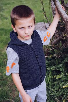 Ravelry: Alexander Hooded Vest - LF28 pattern by Lisa Craig