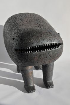 Chiu-i Wu - Artwork and Ceramics. How you can not smile at this?