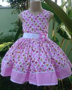 Vestido de criancas Girls Dresses Sewing, Frocks For Girls, Little Dresses, Little Girl Dresses, Cute Dresses, Girls Frock Design, Baby Dress Design, Baby Frocks Designs, Kids Frocks Design