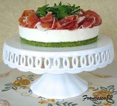 Cheesecake allo stracchino con rucola e crudo