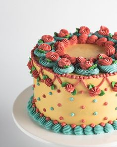 Cake Decorating Frosting, Cake Decorating Designs, Creative Cake Decorating, Cake Decorating Videos, Cake Decorating Techniques, Easy Cake Designs, Cake Piping Techniques, Buttercream Cake Designs, Buttercream Recipe