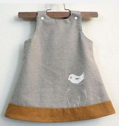 little linen birdy-oo dress kids-wear Little Girl Fashion, Fashion Kids, Toddler Fashion, Fashion Outfits, Fashion Trends, Sewing For Kids, Baby Sewing, Little Girl Dresses, Girls Dresses