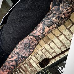 Popular Tattoos and Their Meanings Badass Tattoos, Love Tattoos, Body Art Tattoos, Tattoos For Guys, Tatoos, Best Sleeve Tattoos, Sleeve Tattoos For Women, Tattoo Sleeve Designs, Floral Sleeve Tattoos