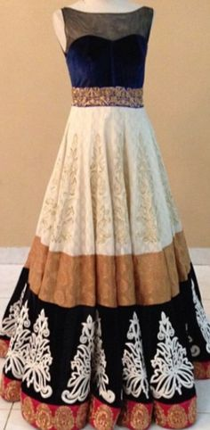 absolutely loving the thick border on this anarkali