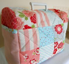 @ The Patchsmith: Across the Pond - Sewing Machine Cover - tutorial/free pattern - original pdf for Bernina, this is adapted for Husqvarna