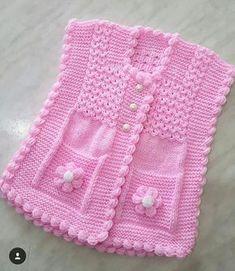 Peanut Trimmed Vest Rezept im Falle von Coffee Crack. Baby Knitting Patterns, Baby Cardigan Knitting Pattern Free, Knitting For Kids, Lace Knitting, Crochet For Kids, Knitting Designs, Knit Crochet, Tricot Simple, Pull Bebe