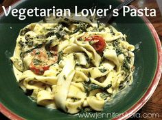 This easy dinner recipe will have you drooling! Vegetarian Lovers Pasta #sauteexpress #cbias #shop