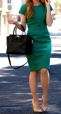 lowest price 326de 1adeb THE PERFECT WORK DRESS PolishedandPink waysify Love the green and fitted  style that can work with a jacket.