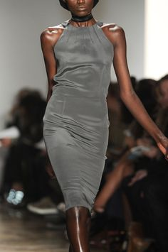 Sophie Theallet at New York Fashion Week Fall 2011 - Details Runway Photos Runway Fashion Outfits, Couture Fashion, Womens Fashion, Glamorous Chic Life, Sophie Theallet, French Fashion Designers, Classy And Fabulous, Dark Fashion, Bodycon Dress