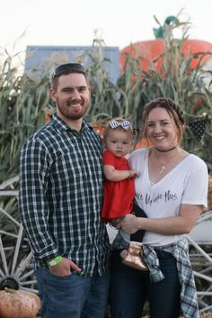 family time | pumpkin patch | fall family photo | mommy and me | positively oakes | Jess Oakes