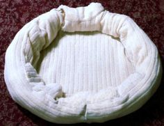 DIY: Make A Cat Bed From An Old Sweater