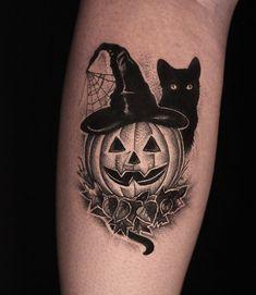 Pretty Hand Tattoos, Gorgeous Tattoos, Unique Tattoos, Cool Tattoos, Tattoo Sleeve Designs, Sleeve Tattoos, Mini Tattoos, Body Art Tattoos, Cat Skull Tattoo