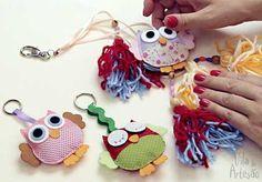 Faça chaveiros com figuras de feltro e aprenda um modelo estilo Boho Chic, com pingentes de lã.  #craft #artesanato #chaveiro #diy #owl #coruja