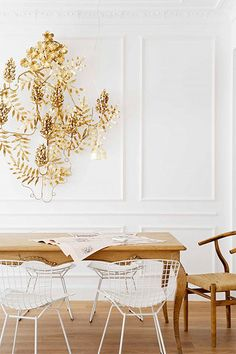 glam with clean white. also notice the contrasting antique with modern. so well done.