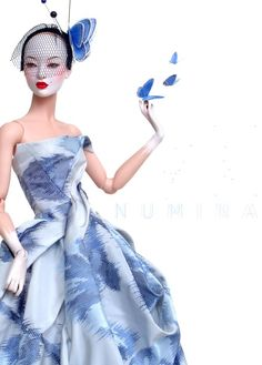 "Chinoiserie II ---- Sung in a OOAK Numina ""Fil Coupé"" floral silk taffeta dress."