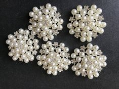 Big Pearl Alloy Rhinestone Buttons DIY Hair Accessories Materials Wedding Party Favor and Decoration Buttons Flower Disk Buttons Feature: Small accessories has a very wide range of appliciation! Wedding Party Favors, Wedding Decorations, Jewelry Gifts, Unique Jewelry, Christmas Bags, Diy Hair Accessories, Diy Hairstyles, Handmade Gifts, Buttons