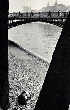 André Kertész - Pont des Arts, Paris, 1963.