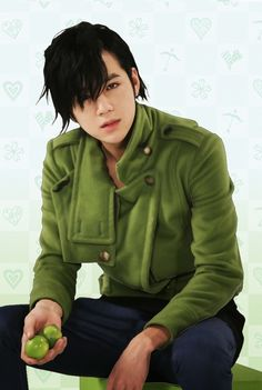 Jang Geun Suk as Hwang Tae Kyung (You're Beautiful)
