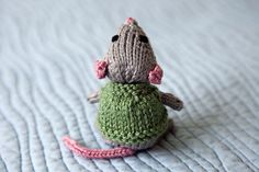 Saraem's knitted mouse from a design by Rachel Borello Carroll. Rachel's pattern is free..