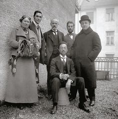 1911-12, Munchen - Members of the Blue Rider group on the balcony of Kandinsky's apartment at Ainmillerstraße 36  Left to right:  Maria Marc, Franz Marc, Bernhard Koehler Sr., Wassily Kandinsky (seated), Heinrich Campendonk, Thomas von Hartmann.  Photograph: Gabriele Münter,  Gabriele Münter and Johannes Eichner Foundation