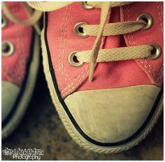 My pink converse Converse Vintage Converse Vintage, Pink Converse, Converse Shoes, Movie Makeup, Flat Wedges, The Way I Feel, Grey Skies, Shoe Shop, Fashion Over