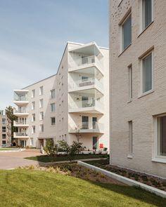 Gallery of Lorentzinpuisto Apartments / Playa Architects - 14