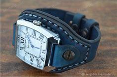Кожаный ремешок №7_3 для часов - купить или заказать в интернет-магазине на Ярмарке Мастеров - FGV7DRU. Уфа | Ремешок из шорно седельной кожи синего цвета с… Sewing Leather, Leather Cuffs, Leather Purses, Smart Bracelet, Bracelet Watch, Lingerie For Men, Wearable Device, Men Design, Leather Watch Bands