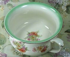 VINTAGE FLORAL CHAMBER POT MADE IN ENGLAND 5532 CABBAGE ROSES