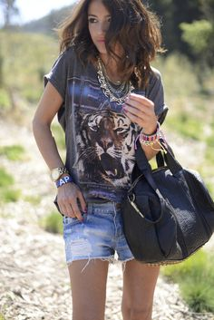 Awesome Tiger shirt_Lovely Pepa
