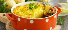 Tuck in to Sally Bee's Vow to Wow shepherd's pie for the ultimate in comfort food - but with health in mind! Easy Cooking, Cooking Recipes, Healthy Recipes, Mini Cocotte Recipe, Bon Ramadan, Pollo Guisado, Lamb Dinner, Clean Eating, Healthy Eating
