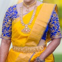 Elbow length Maggam work blouse designs : Always maggam work blouse designs are look elegant on the kanjeevaram sarees and pattu sarees. Here are couple of elbow length heavy work and simple work b… Best Blouse Designs, Wedding Saree Blouse Designs, Pattu Saree Blouse Designs, Simple Blouse Designs, Pattu Sarees Wedding, Wedding Blouses, Lehenga Wedding, Maggam Work Designs, Blouse Models