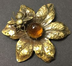 JOSEFF OF HOLLYWOOD SIGNED COSTUME JEWELRY PIN - BEE ON FLOWER  W/ HONEY  CENTER