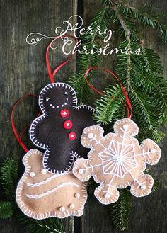cute little felt Christmas ornaments.   #felt | http://beautifulbirdofparadise389.blogspot.com
